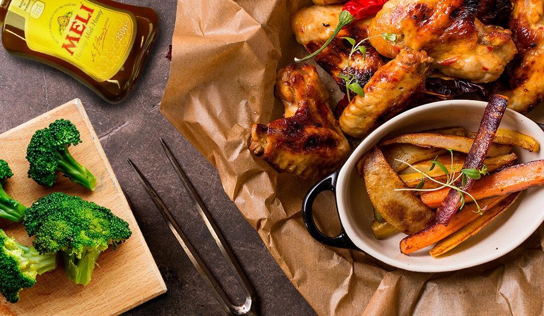Ailes de poulet au sésame grillé et à la marinade au miel