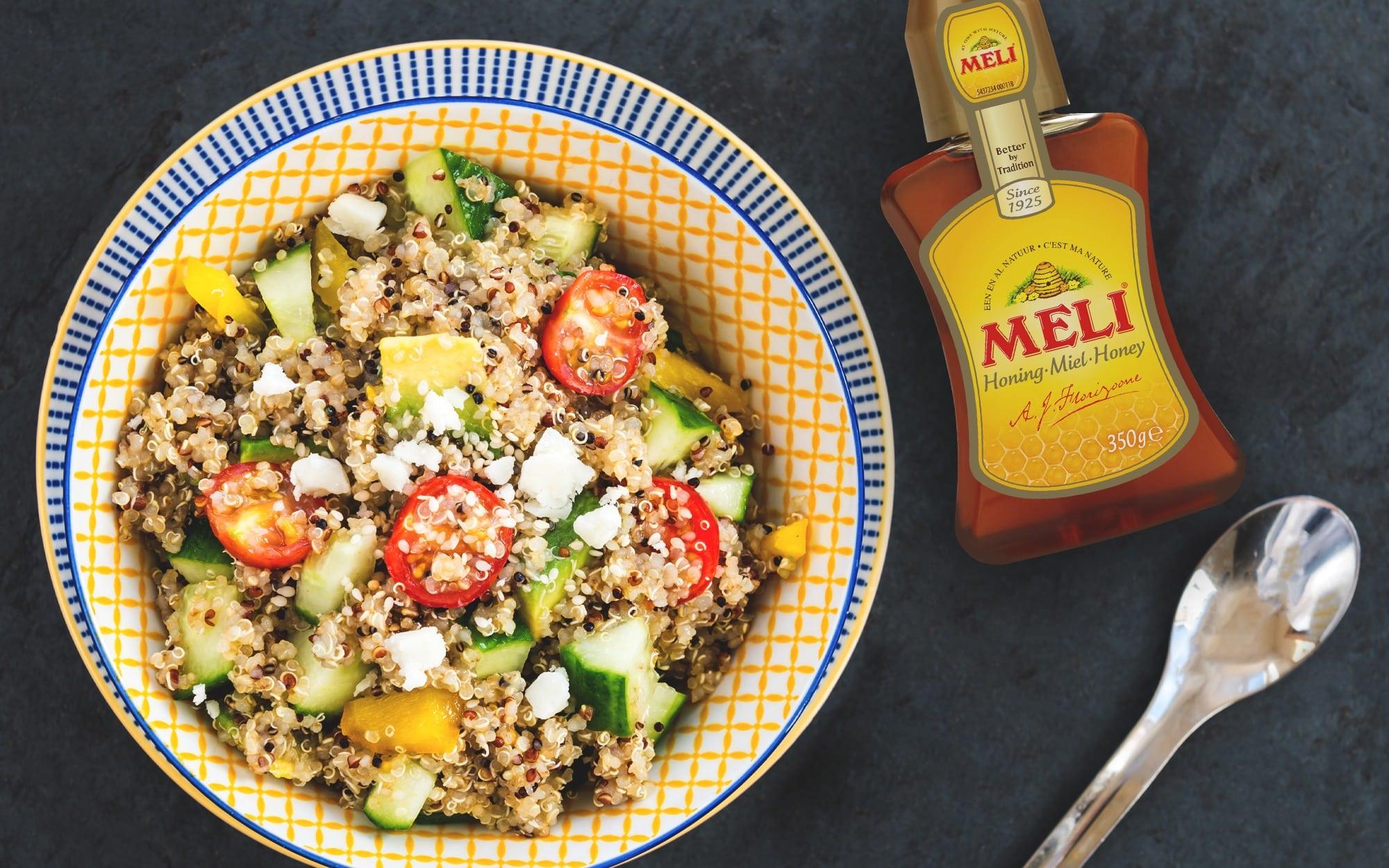 Quinoa met geitenkaas, groenten en honingdressing