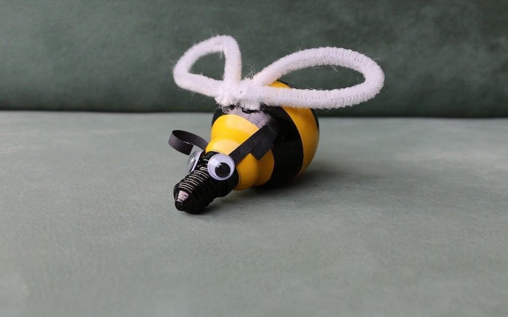 Transformez vos lampes en abeilles mignonnes