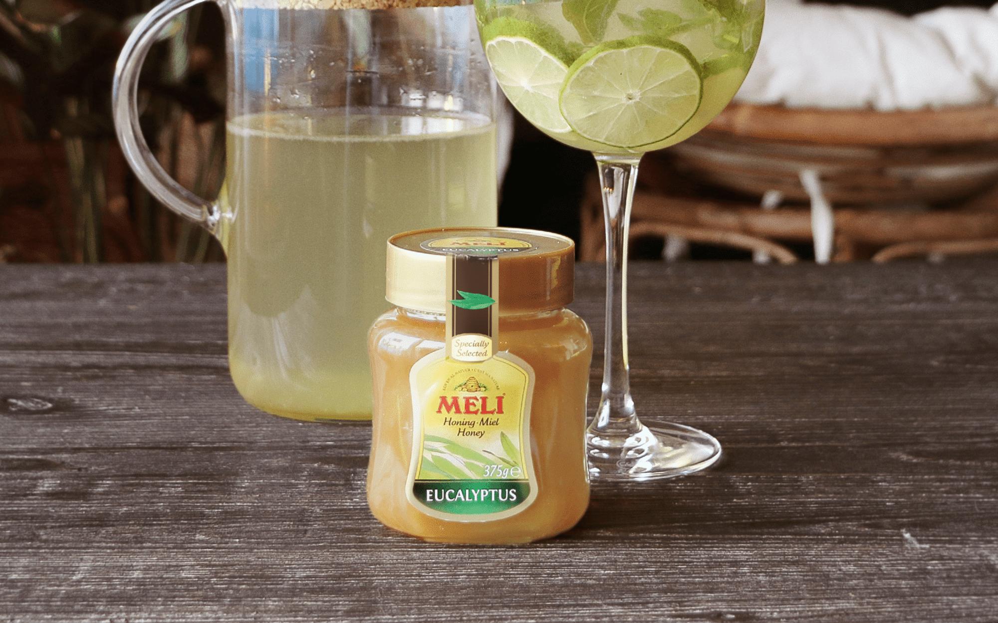 Thé glacé au thé vert, menthe, citron vert et miel d'eucalyptus