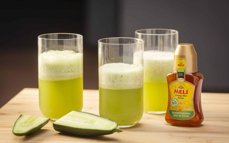 Healthy slushy met komkommer, meloen en honing
