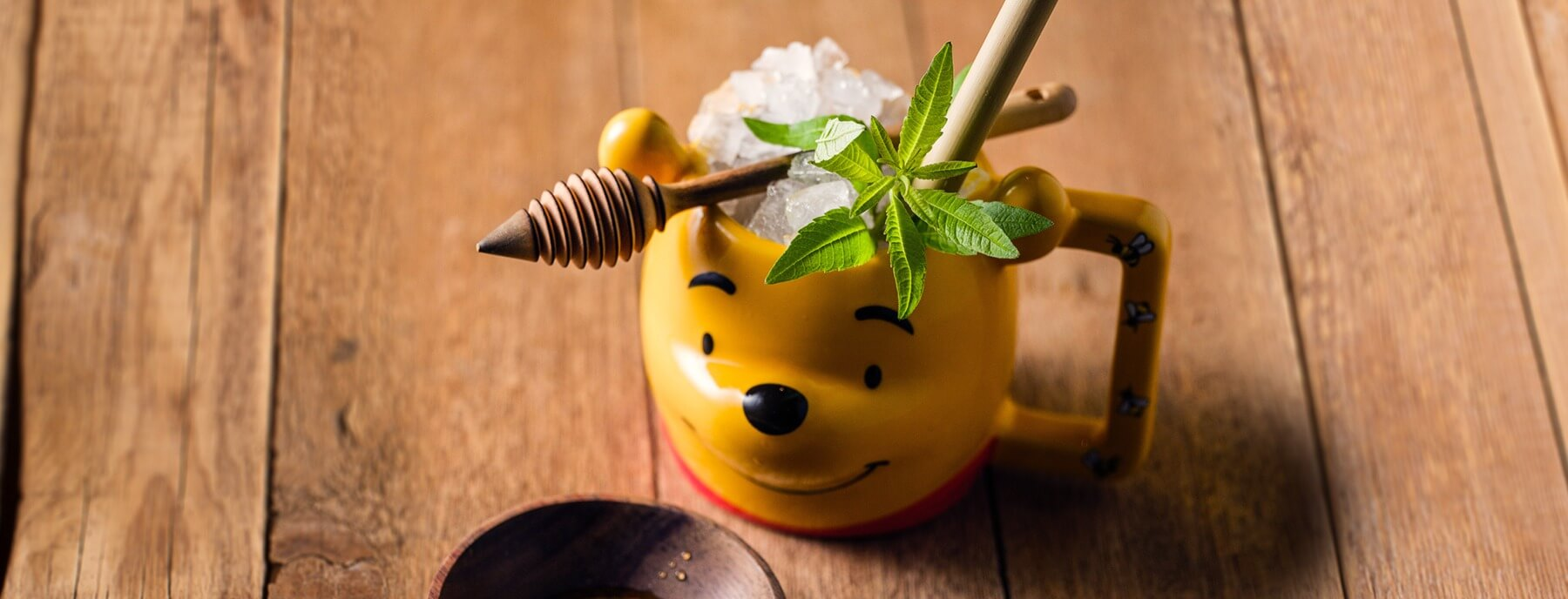 Verfrissende cocktail met citroenverbena